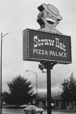 Round Table Pizza Anderson.About Us Straw Hat Pizza